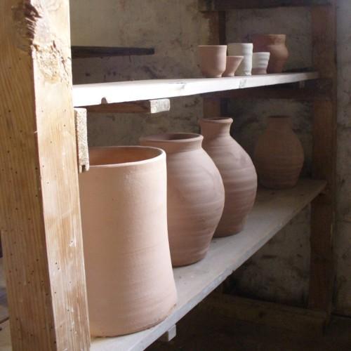 Leach pots