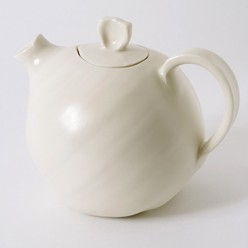 Linda Bloomfield teapot
