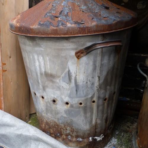 Smoke firing bin